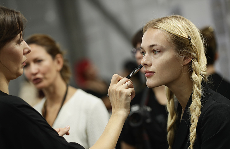 LOREALDEFILE_BACKSTAGEPICTURES_ZUNINO07
